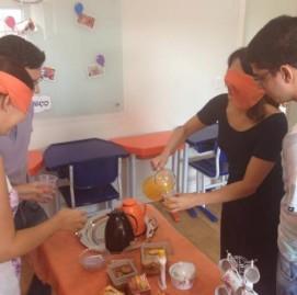 Alunos do SUPERA Santa Bárbara D'Oeste (SP) experimentam diversos alimentos e advinham os sabores