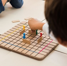 Jogos pedagógicos são utilizados no curso de ginástica cerebral do SUPERA para desenvolver competências cognitivas, socioemocionais e éticas