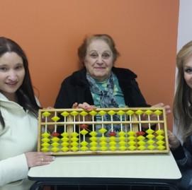 A neta Belisa, a avó Santina e a mãe Rosário Amorim fazem SUPERA juntas