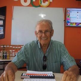 Giovanni é médico aposentado e faz ginástica cerebral há 17 meses