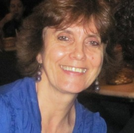Eva Bettine é Gerontóloga e pesquisadora em ritmos biológicos, ciclo vigília/sono