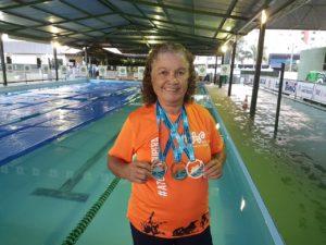 Marli Veras de Sousa é aluna SUPERA e campeã de natação aos 71 anos