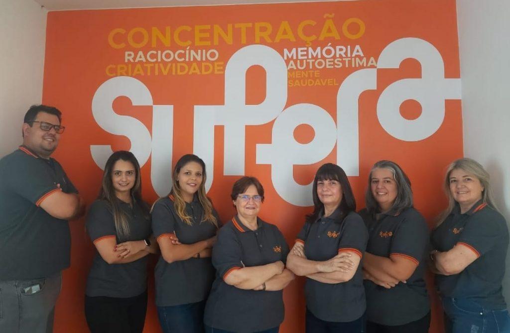 Sete pessoas que integram a equipe SUPERA Coromandel (MG)