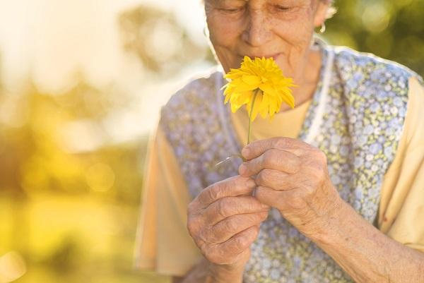 Os testes olfativos na detecção de possíveis quadros de demência - SUPERA - Ginástica para o Cérebro
